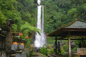 Air terjun gitgit 1