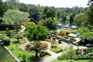 Taman Narmada Lombok 1