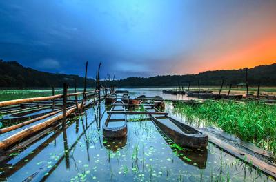 Tamblingan.Lake.original